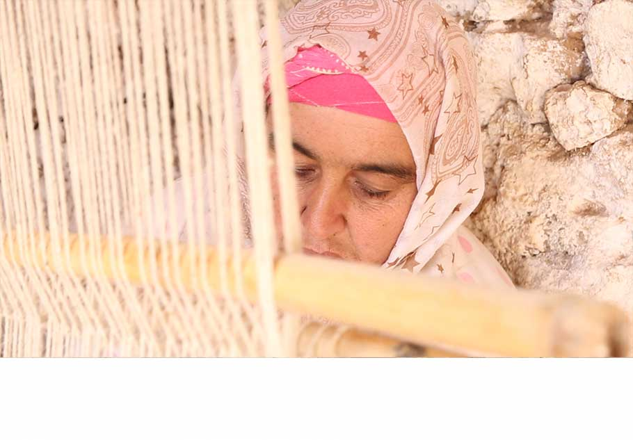 """I work directly with the berber weavers from the Middle Atlas. No middlemen"""
